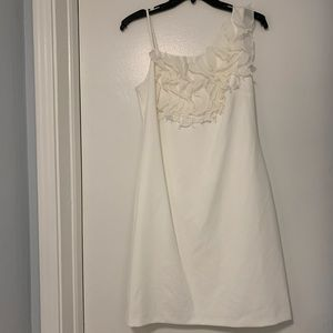 Vine Camuto Size 6 White Dress 70% Off